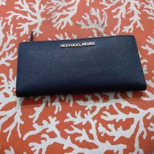 Michael Kors saffiano leather slim carryall wallet